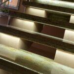 na zdjęciu schody Ciele del Oro podświetlone podstopnie