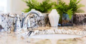 Granitowy blat łazienkowy